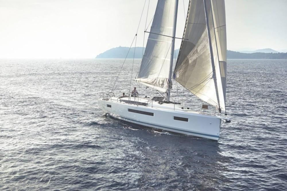 Louer Voilier avec ou sans skipper Jeanneau à Grèce