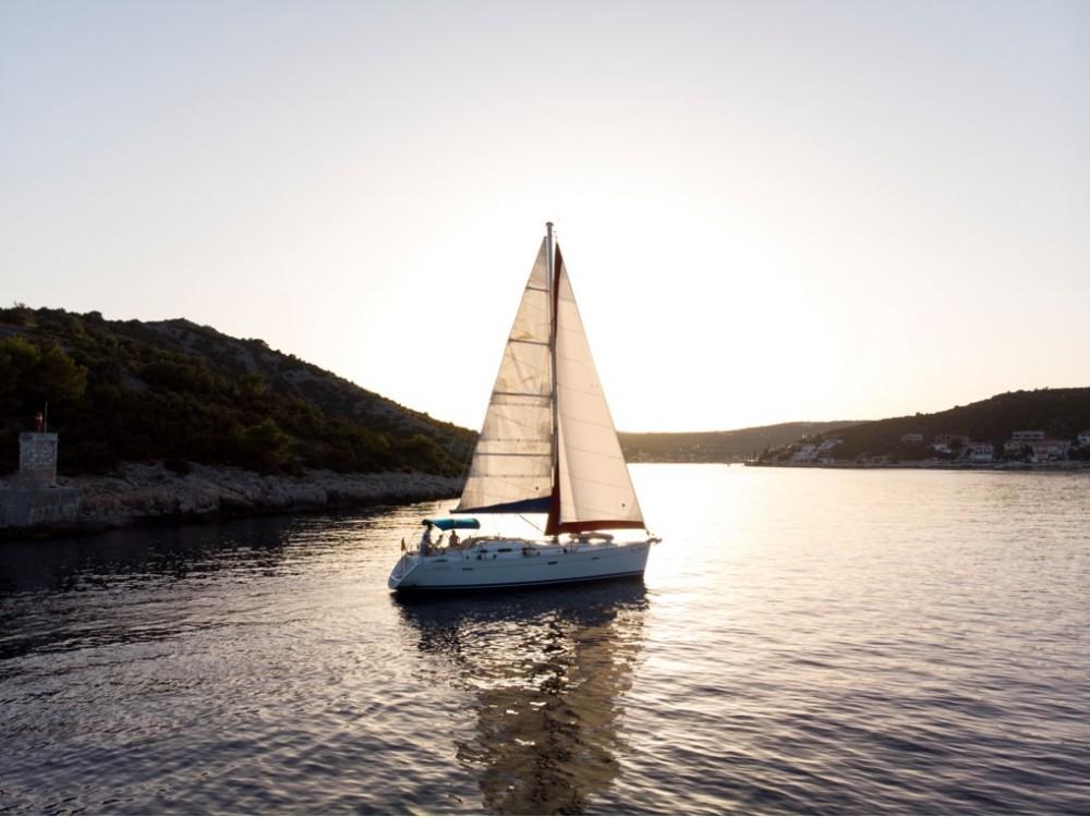 Louez un Bénéteau Oceanis Clipper 393 à Croazia