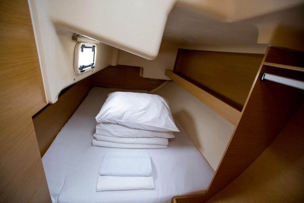Location bateau Croatie pas cher Elan 350 Performance - 3 cab.
