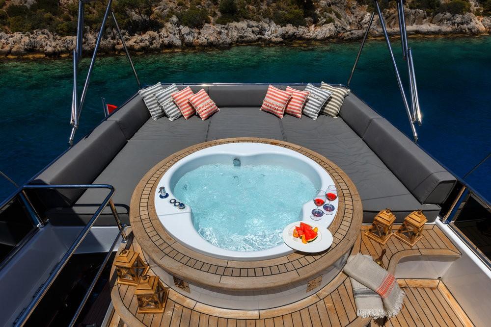 Location bateau Fethiye pas cher Motor Sailer - 3 cab.