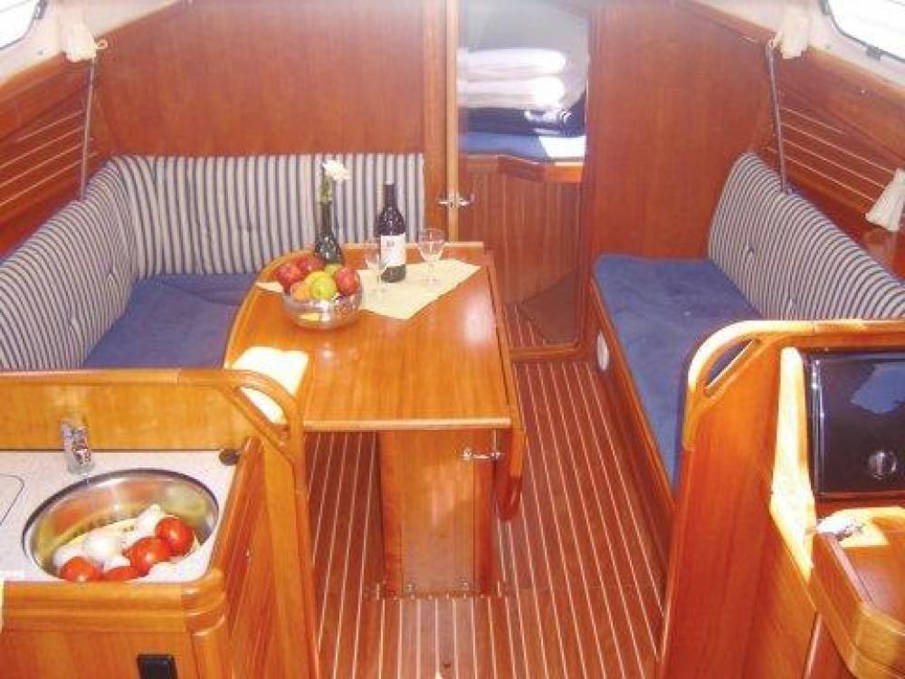 Louez un Bavaria Bavaria 33 Cruiser à Îles Ioniennes