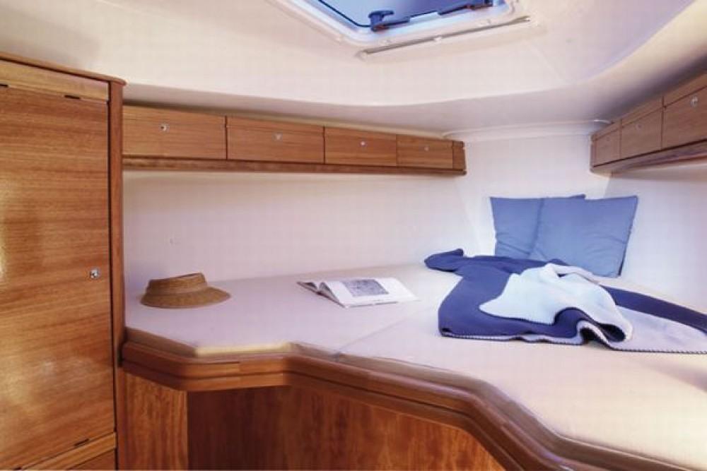 Location bateau Îles Ioniennes pas cher Bavaria 33 Cruiser