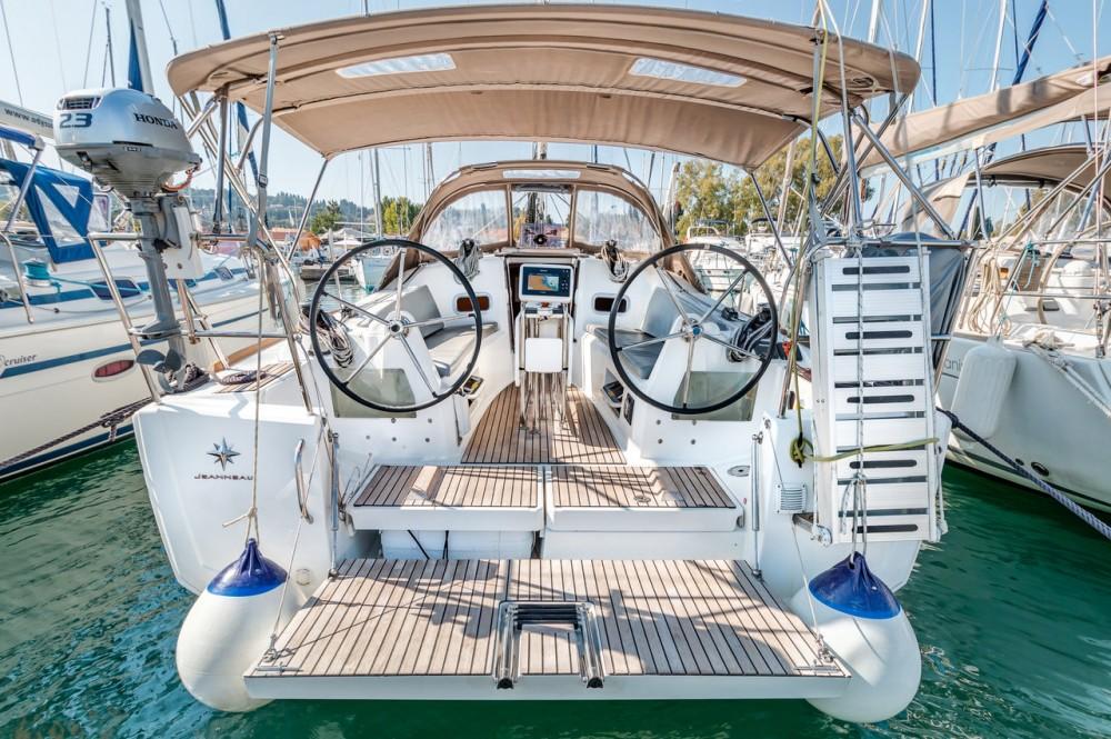 Louer Voilier avec ou sans skipper Jeanneau à Îles Ioniennes