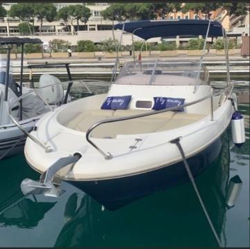 Bateau à moteur à louer à Monaco au meilleur prix