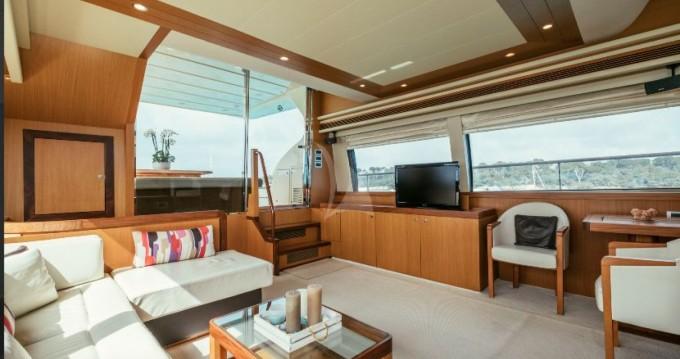 Location Yacht à Cannes - Ferretti Altura 690