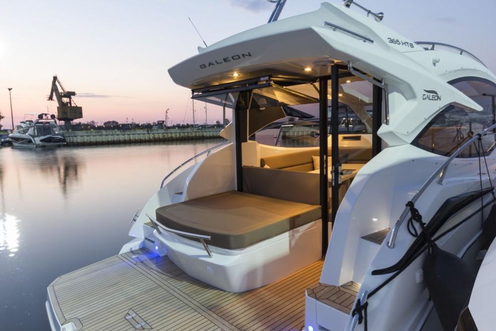 Location yacht à Mandelieu-la-Napoule - Galeon Galeon 365 HTS sur SamBoat