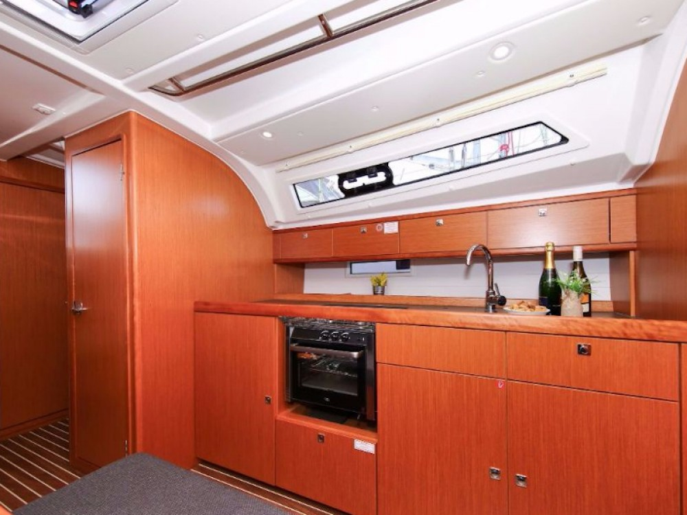 Bavaria Bavaria Cruiser 41S entre particuliers et professionnel à Marina Pirovac