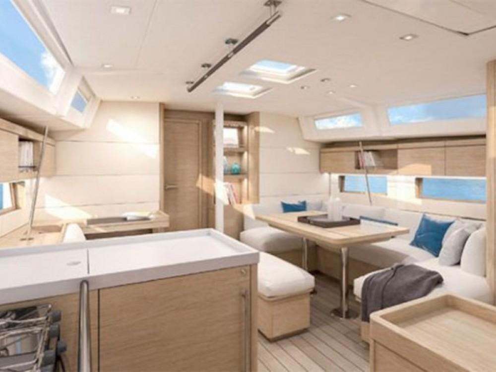 Location yacht à Marina de Alimos - Bénéteau Oceanis 461 sur SamBoat