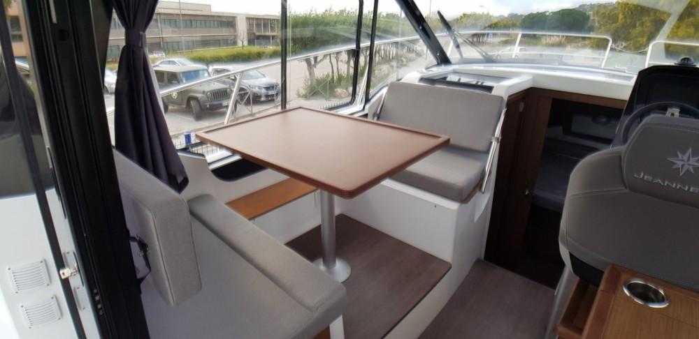 Location bateau Le Grau-du-Roi pas cher Merry Fisher 895