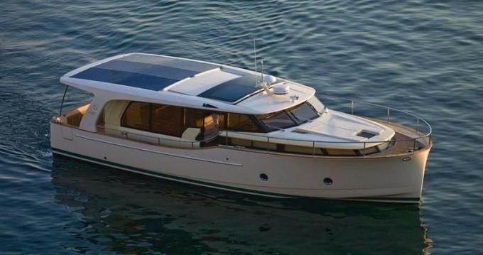 Location bateau Greenline Greenline 40 à Porto sur Samboat