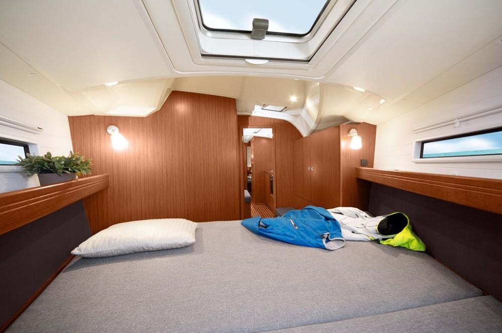 Location bateau Pirovac pas cher Bavaria Cruiser 41S