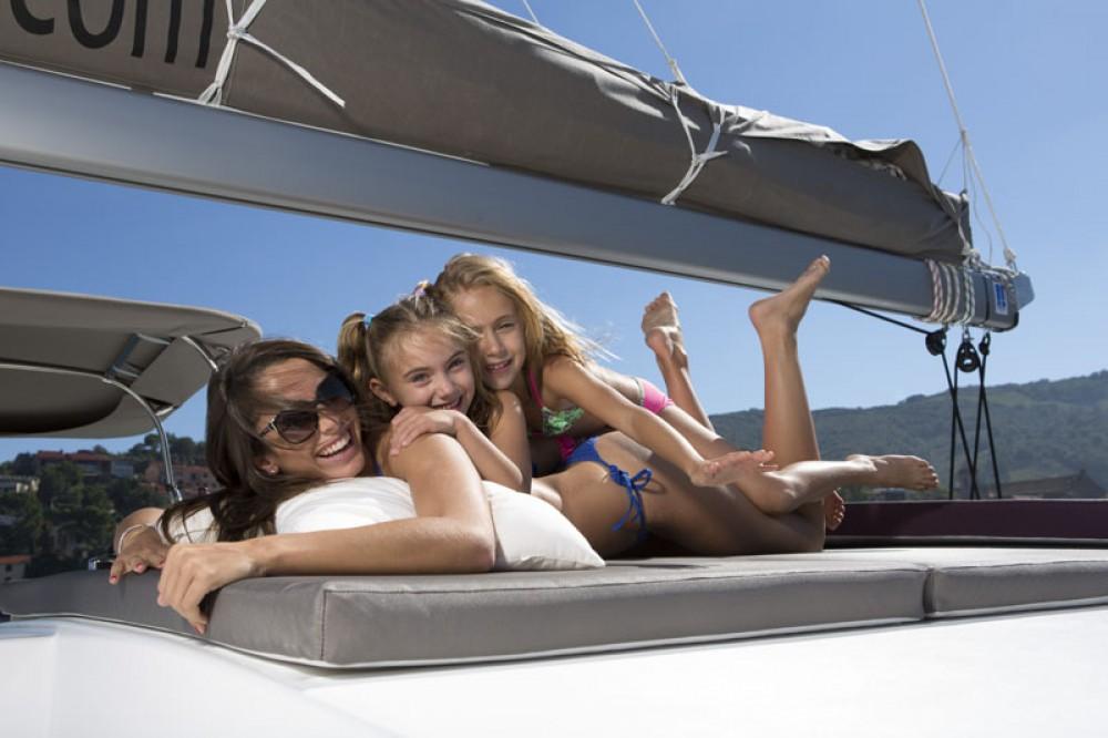 Louer Catamaran avec ou sans skipper Catana à Athens
