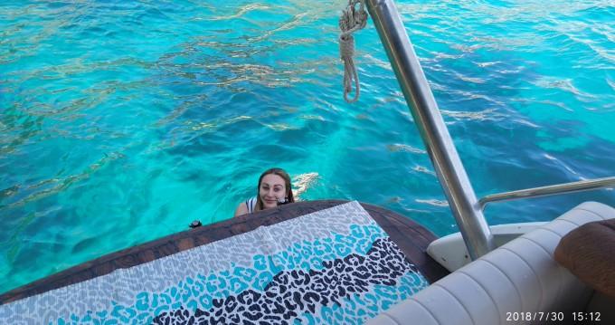 Location bateau Positano pas cher Mochi craft 33 Fly