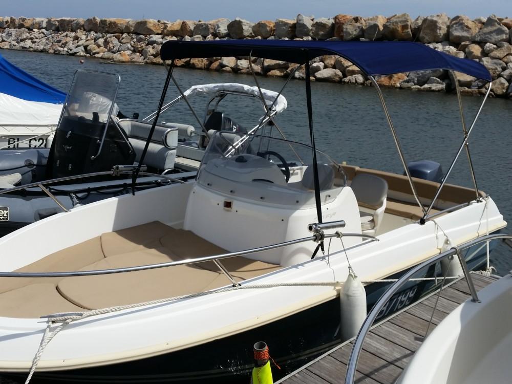 Louez un Jeanneau Cap Camarat 5.5 CC Serie 2 Style à Argelès-sur-Mer