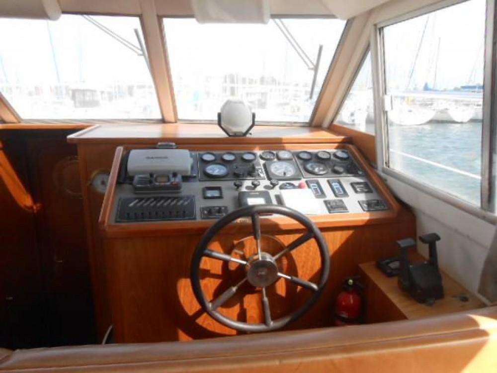 Louer Bateau à moteur avec ou sans skipper Acm à Saint-Cyprien