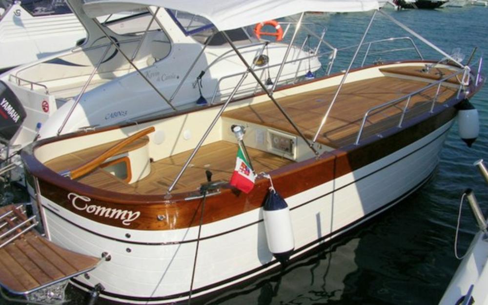 Louer Bateau à moteur avec ou sans skipper Gozzo Latino à Otranto