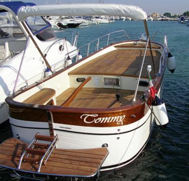 Louer Bateau à moteur avec ou sans skipper Gozzo Latino à Otrante