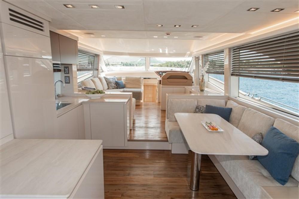 Location Yacht Bénéteau avec permis