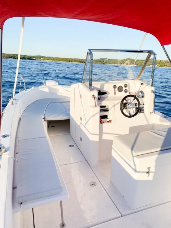 Louer Bateau à moteur avec ou sans skipper Orka à Vrsar