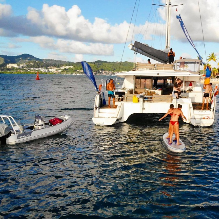 Fountaine Pajot Saba 50 [8 CAB] entre particuliers et professionnel à Victoria
