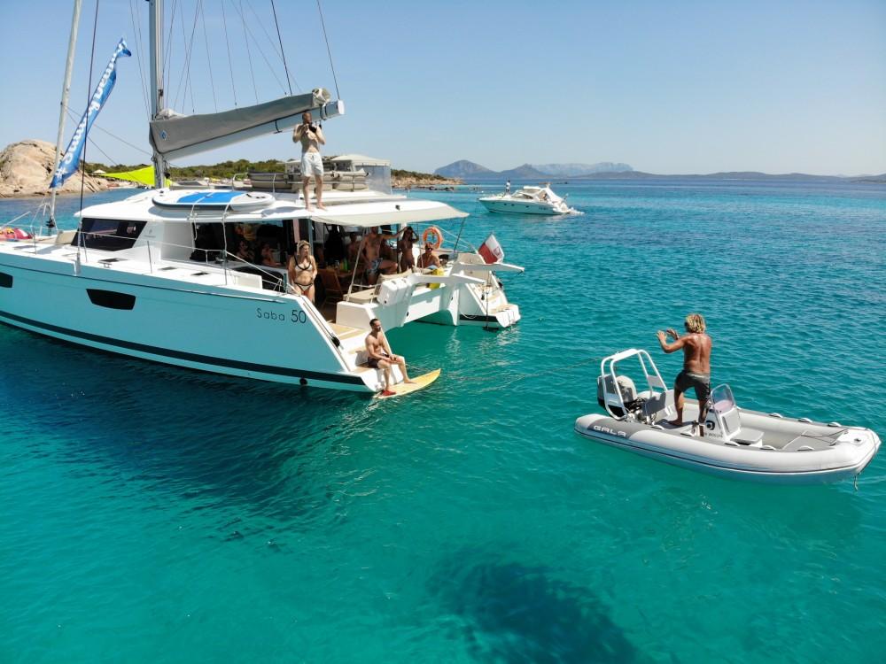Location Catamaran à Victoria - Fountaine Pajot Saba 50 [8 CAB]