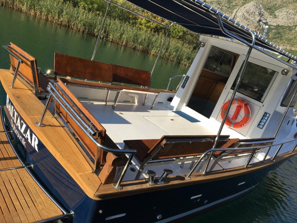 Location bateau Saronic 890 à Komolac sur Samboat