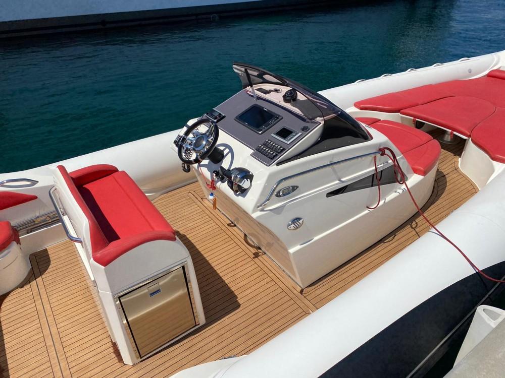 Location bateau Lomac Adrenalina 9.5 à Cannes sur Samboat