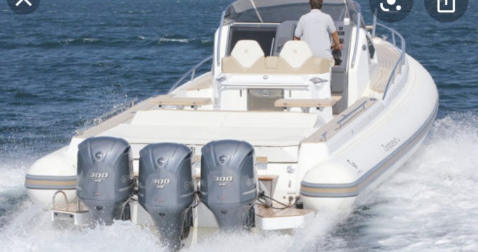 Louer Semi-rigide avec ou sans skipper Capelli à Théoule-sur-Mer