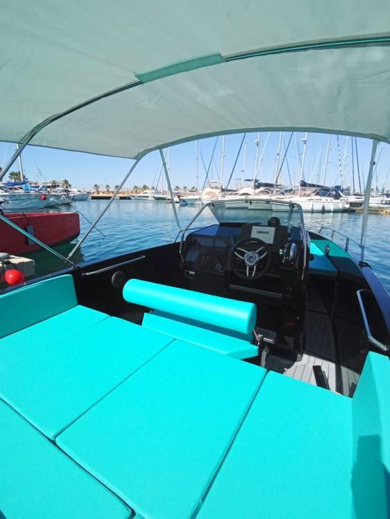 Louer Bateau à moteur avec ou sans skipper Nuva à Torrevieja
