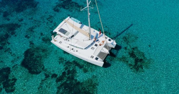 Catamaran à louer à Ornós au meilleur prix