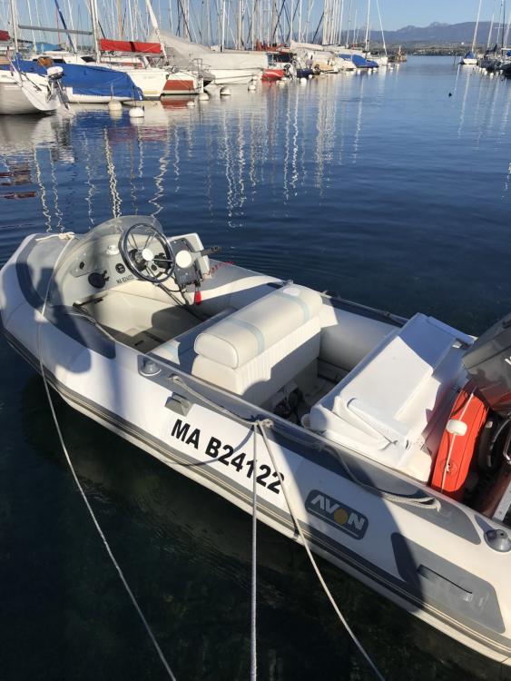 Location bateau Avon 345 à Annecy sur Samboat