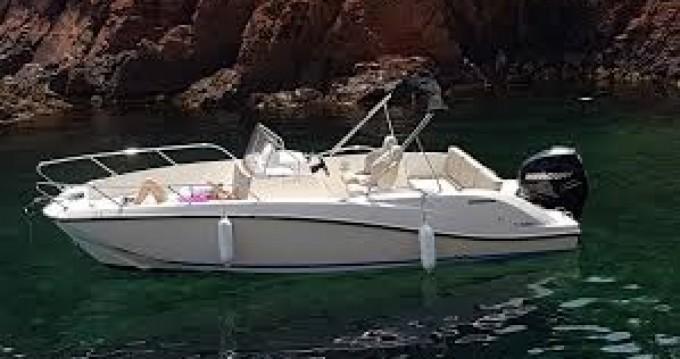 Location bateau Mandelieu-la-Napoule pas cher Activ 675 Open