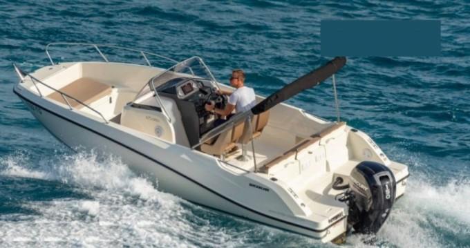 Louer Bateau à moteur avec ou sans skipper Quicksilver à Mandelieu-la-Napoule