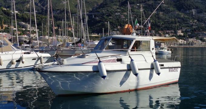 Louer Bateau à moteur avec ou sans skipper Bénéteau à Menton