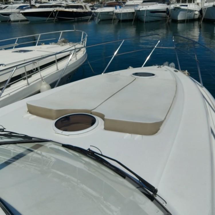Location bateau Mandelieu-la-Napoule pas cher Princess V46/48