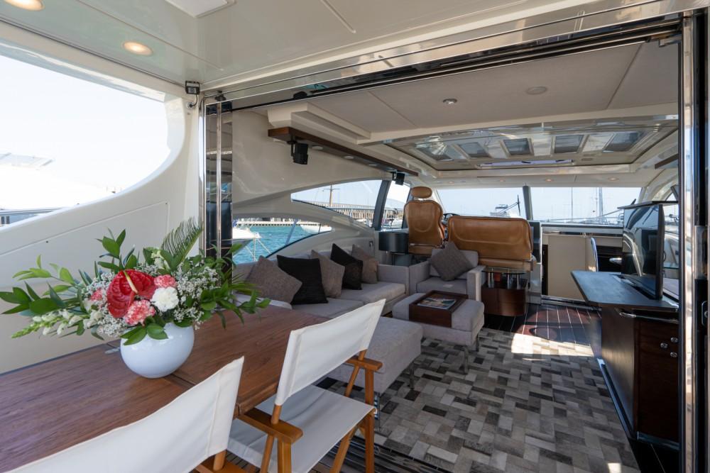 Location bateau Azimut 68S à Barcelone sur Samboat