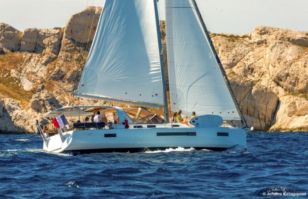 Location bateau Jeanneau Sun Loft 47 à Saint-Mandrier-sur-Mer sur Samboat