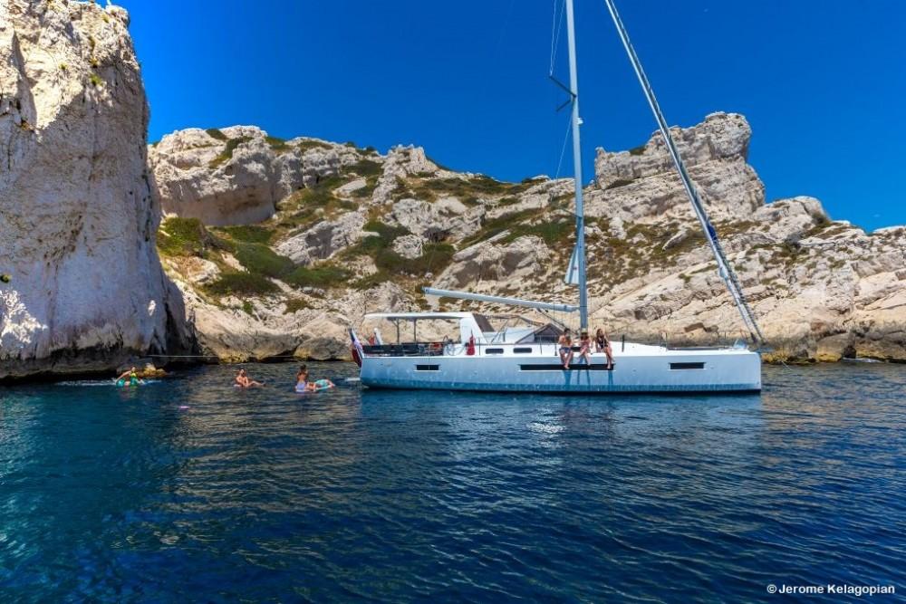 Location bateau Jeanneau Sun Loft 47 à Olbia sur Samboat