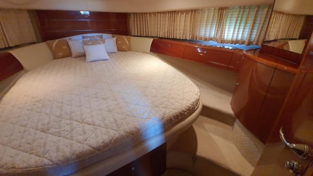 Location yacht à Mandelieu-la-Napoule - Princess Princess V46/48 sur SamBoat