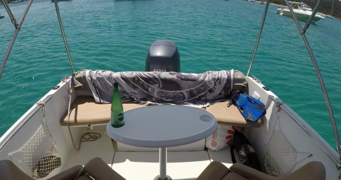 Louer Bateau à moteur avec ou sans skipper Jeanneau à Sari-Solenzara