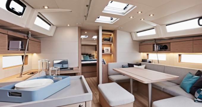 Location bateau Bénéteau Oceanis 46.1 à Álimos sur Samboat
