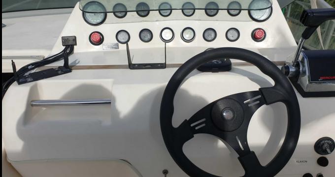 Bateau à moteur à louer à Mandelieu-la-Napoule au meilleur prix
