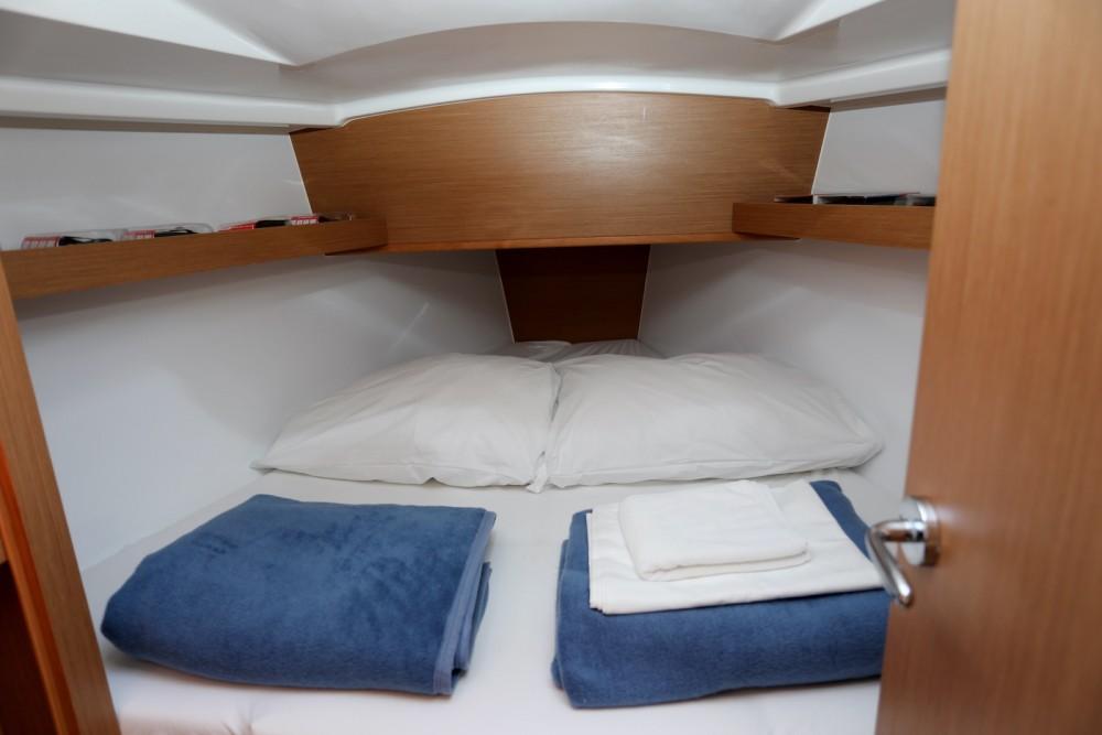 Location bateau Pula pas cher Sun Odyssey 319