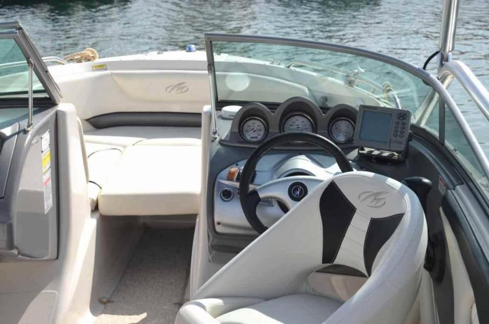 Louer Bateau à moteur avec ou sans skipper Monterey à Sant Antoni de Portmany