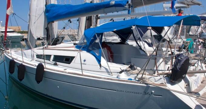 Location bateau Jeanneau Sun Odyssey 36i à San Vincenzo sur Samboat