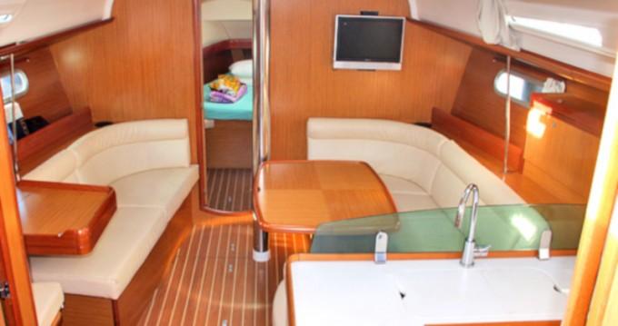 Location bateau San Vincenzo pas cher Sun Odyssey 42i