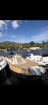 Louer Semi-rigide avec ou sans skipper FANALE à Saint-Florent