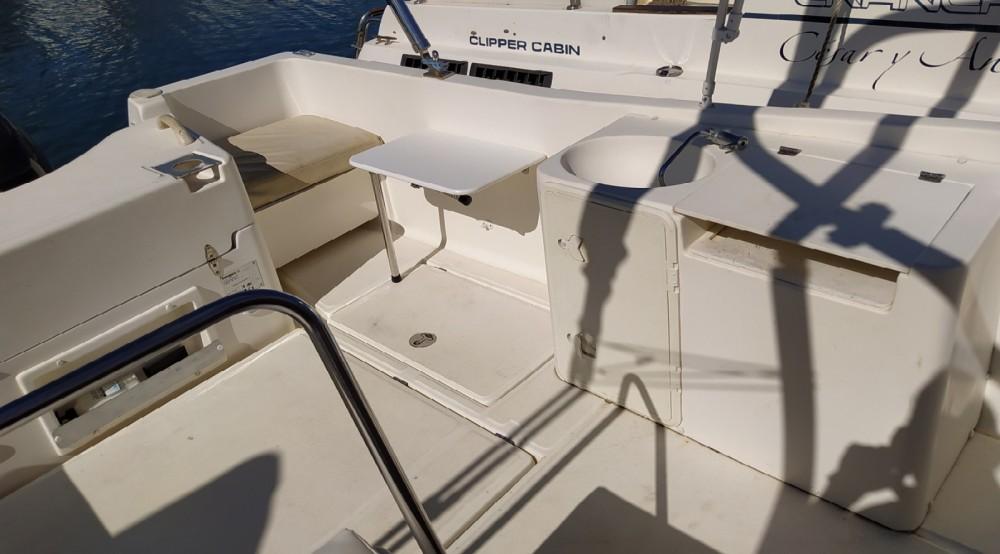 Louer Bateau à moteur avec ou sans skipper Shiren à Sanxenxo