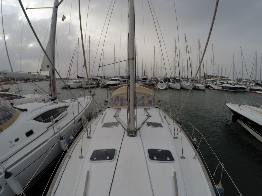 Louez un Bénéteau Oceanis 411 Clipper à Dénia