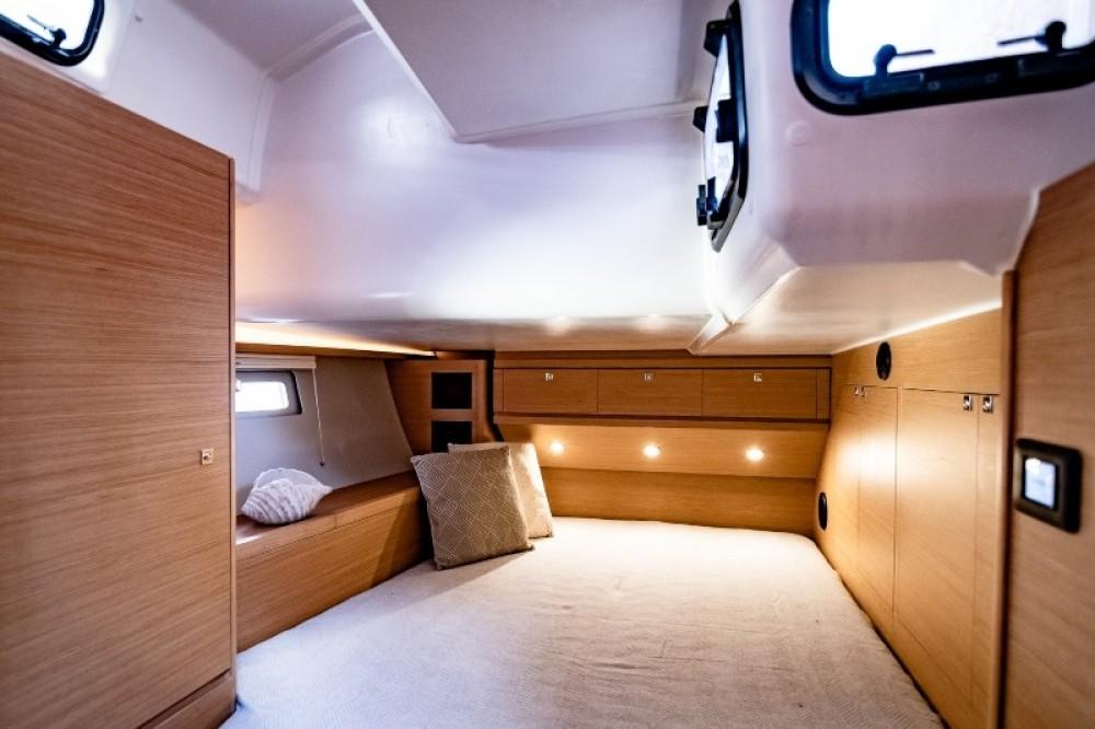 Location bateau Preveza pas cher Dufour 520 GL